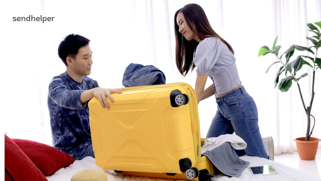 Tips to pack clothes for moving house.