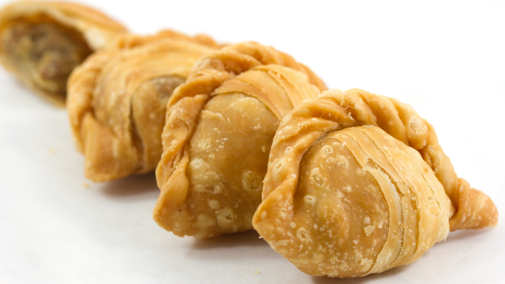 Local Singapore Snacks: Curry Puff