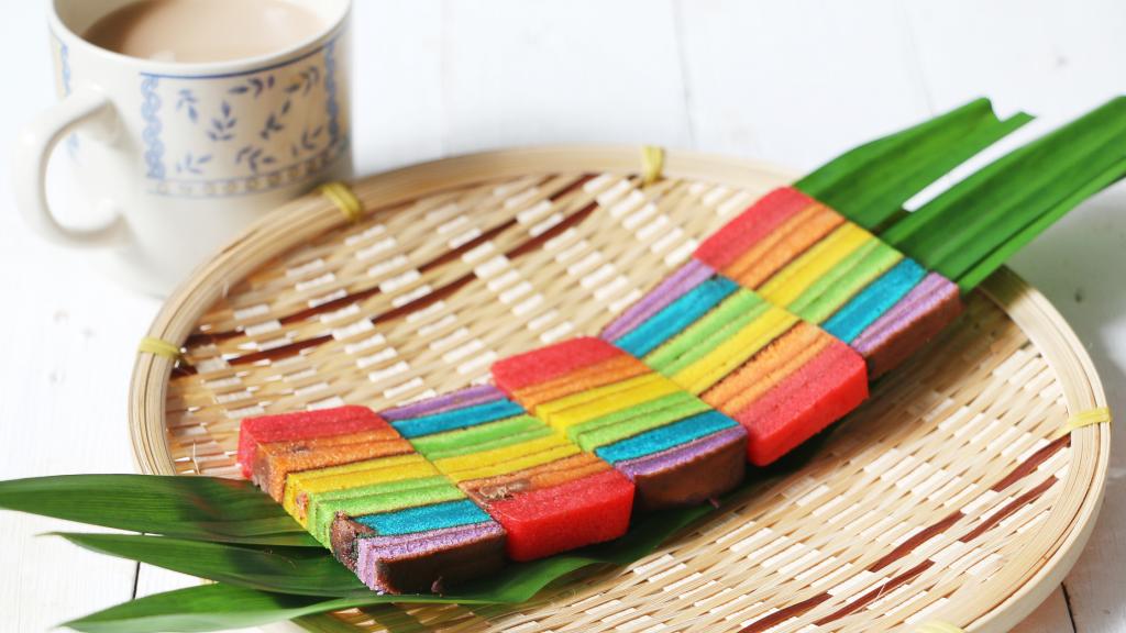 Local Singapore Snacks: Rainbow Lapis